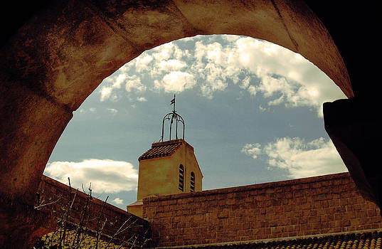 Between The Arches by Mark K