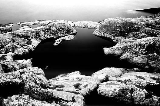 Black cold Mirror by Matthias Siewert