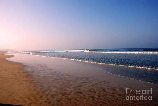 Pravine Chester - Blue and gold beach