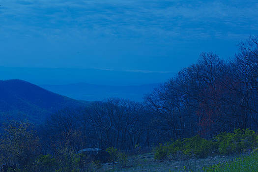 Blue Mountains by George Lovelace