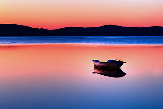 Boat in Sunset II by Gert Lavsen