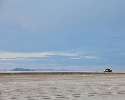Bonneville Salt Flats Utah Usa by Paul Edmondson