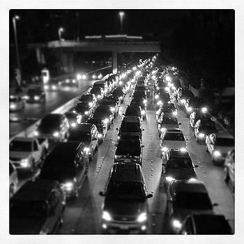 #border #sanysidro #trafic #cars #b&w by Javier Gracia