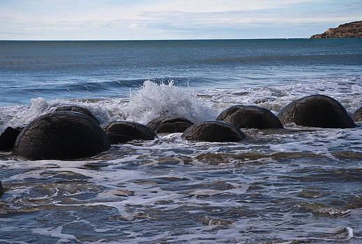 Boulders by Graeme Knox