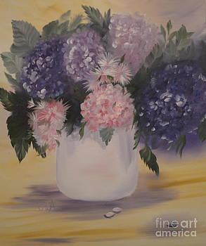 Bouquet of Flowers by Gila Churba