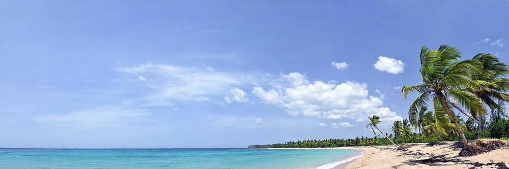 Breathtaking tropical beach panorama by Sebastien Coursol