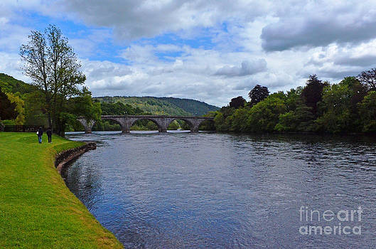 Pravine Chester - Bridge on the river Tay
