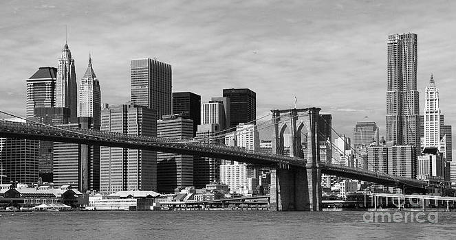 Brooklyn Bridge and Skyline by Holger Ostwald