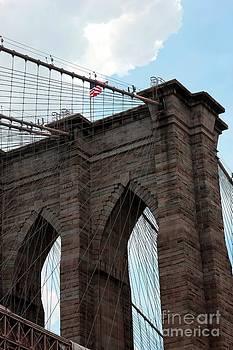 Sophie Vigneault - Brooklyn Bridge