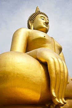 Buddha In Thailand by Chatchawin Jampapha