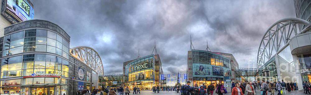 Yhun Suarez - BullRing Shopping Centre
