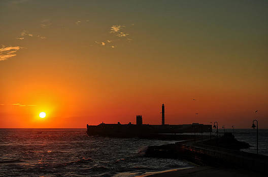 Cadiz Sunset by Slavi Begov