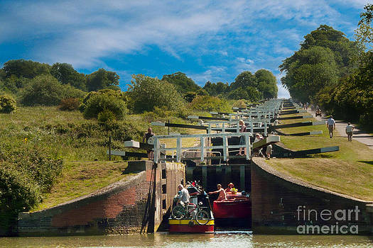 Caen Hill Locks by John Basford