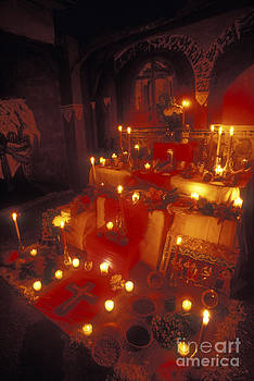 John  Mitchell - CANDLELIT MEXICAN DAY OF THE DEAD ALTAR