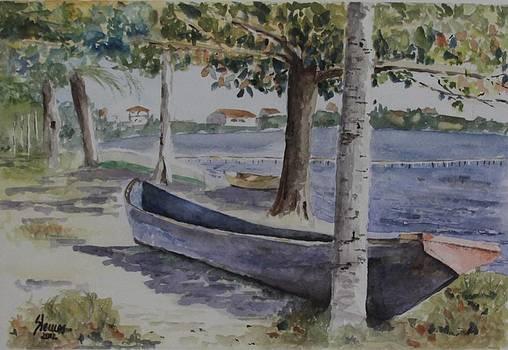Canoa Abandonada by Silvia Lemos