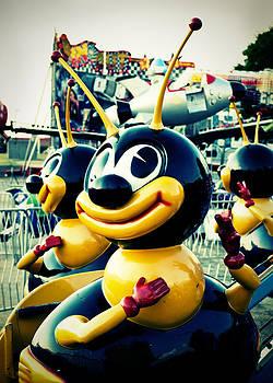 Sonja Quintero - Carnival Bee