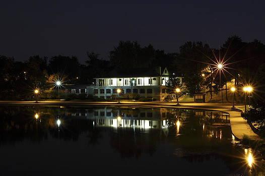 Casino on Hoyt Lake by Don Nieman