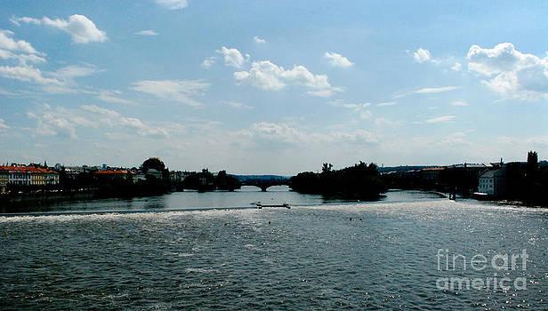 Pravine Chester - Charles Bridge over River Vltava