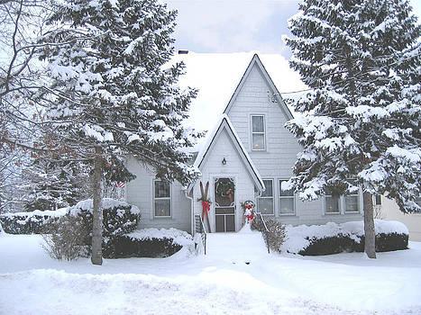 Charming house in winter snow by Leontine Vandermeer