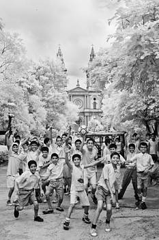Children at play by Subpong Ittitanakul