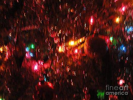 Christmas Rain VI by Daniel Henning