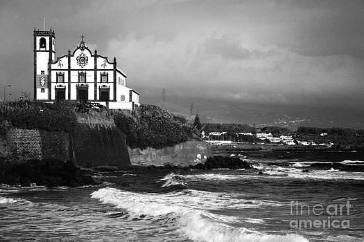 Gaspar Avila - Church by the sea