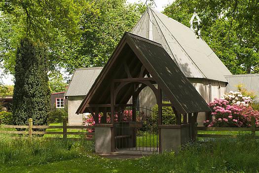 Church Lynchgate  by Graeme Knox