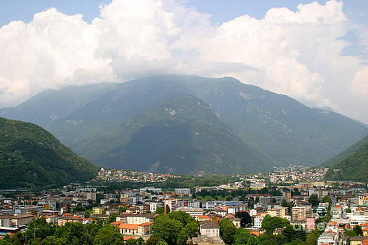 Citta di Bellinzona by James Thomas