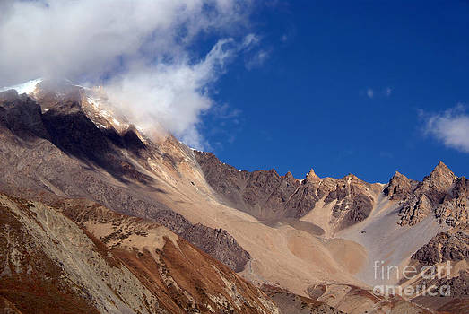 Clouds and Mountains Yak Kharka to Thorung Phedi by Serena Bowles