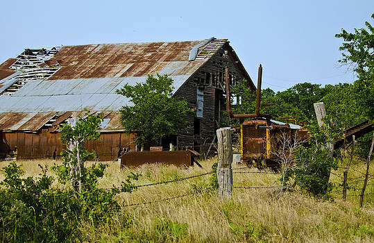 Clutter Barn by Lisa Moore