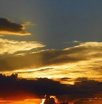 Colorado Sunset 2 by Vicky Mowrer