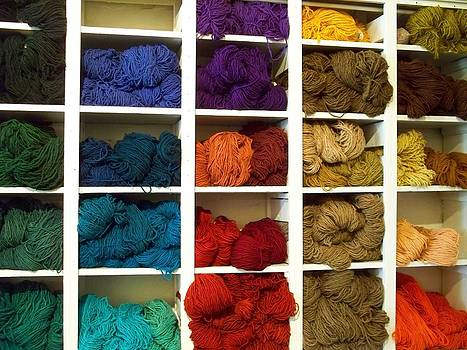 Colored Yarn at Tierra Wools by FeVa  Fotos