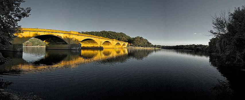Columbia on the Schuylkill River by Gary Reed