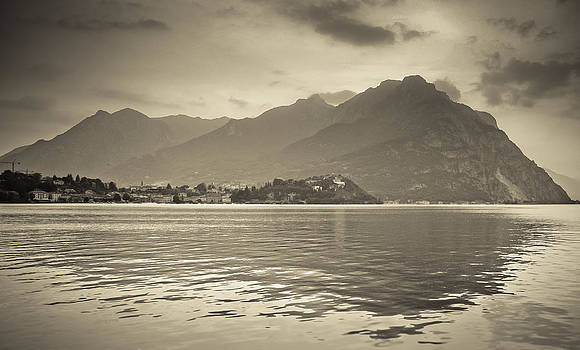 Como lake by Oleg Ivanov