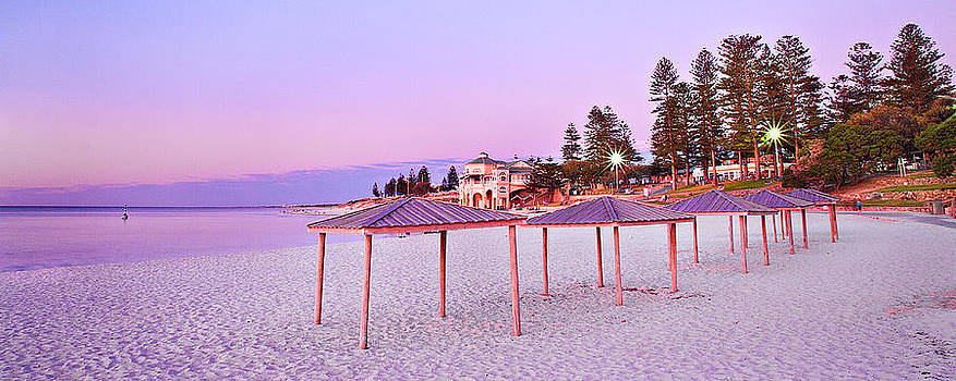 Cottesloe Beach by Jimmy Chong