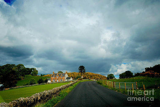 Pravine Chester - Country road