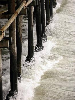 Crashing Waves by Alex Vilner