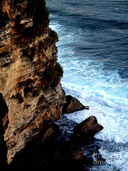 Crashing waves on the cliff face by Samantha Mills