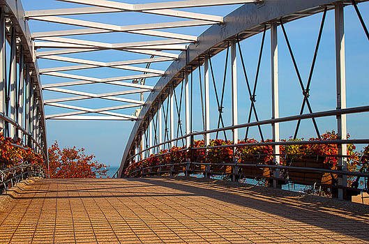 Milena Ilieva - Crossing the Bridge