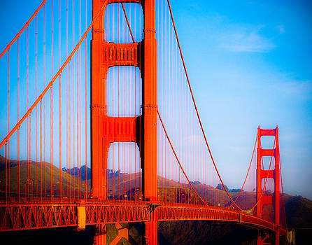 Sonja Quintero - Crossing the Golden Gate