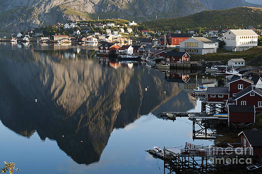 Heiko Koehrer-Wagner - Crystal Waters at Reine Village