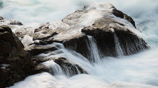 Dawn Waves by Kam Chuen Dung
