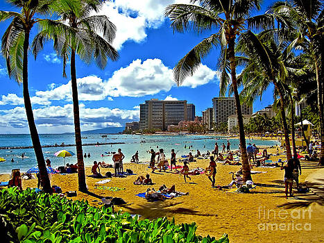 Daytime on Waikiki Beach by Mark East