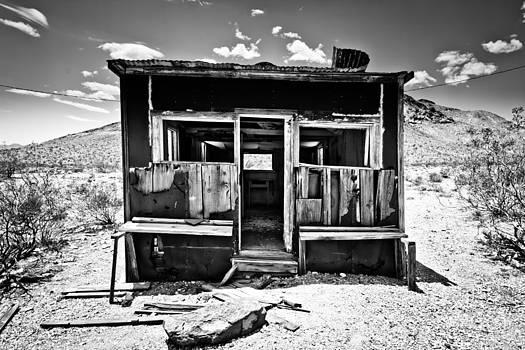 Desolate Desert by Merrick Imagery