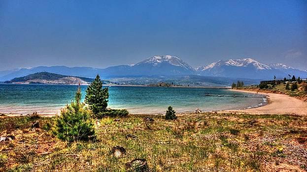 Dillon Lake by Sergio Aguayo