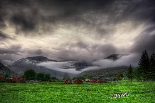 Svetlana Sewell - Dramatic Clouds