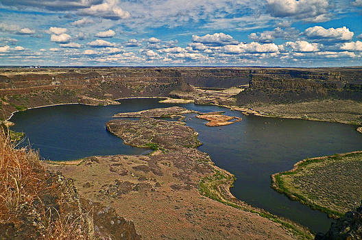 Dry Falls color by Seth Shotwell