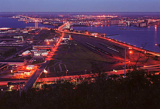 Duluth After Dark by James Rasmusson