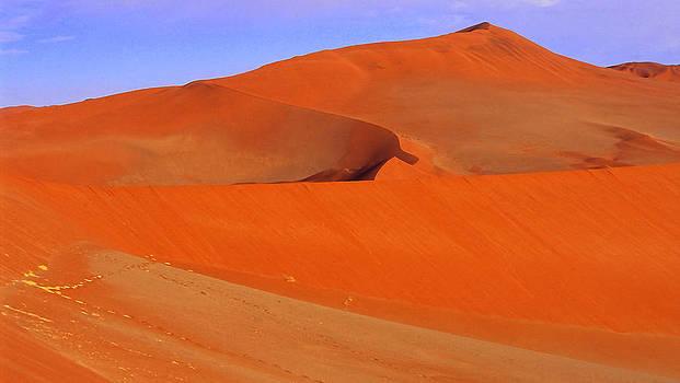 Dunes by Len Combrinck