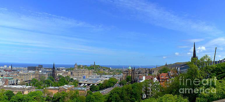Pravine Chester - Edinburgh Skyline